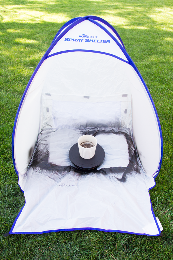 spray shelter and turn table