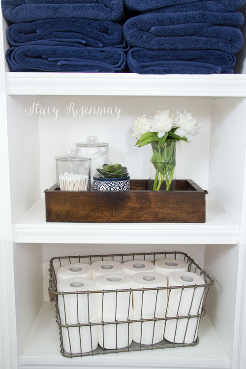 bathroom-styled-shelves