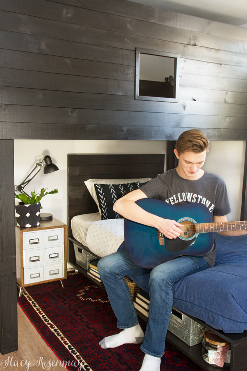 bedroom for teen who loves music