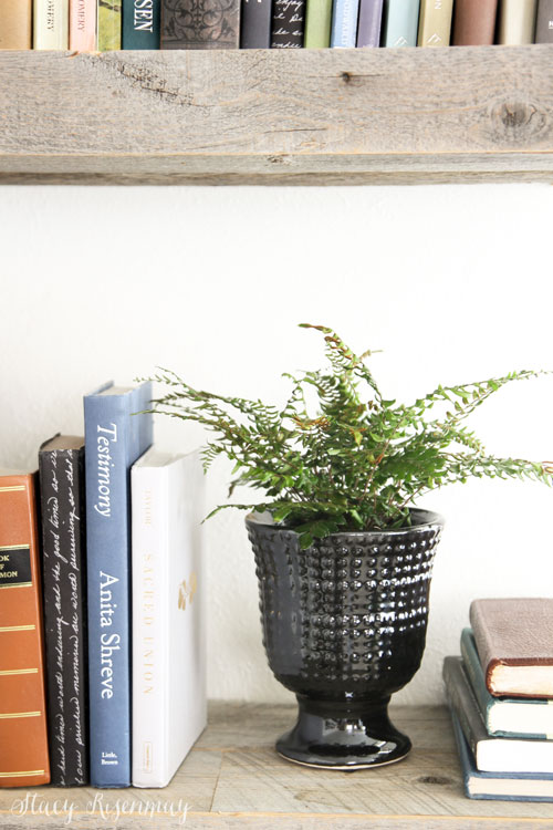 pedestal planter hobnail black
