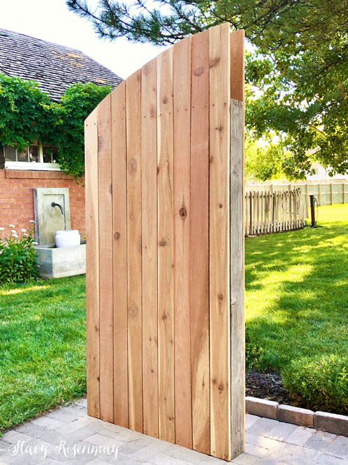 building a backyard gate that is rounded